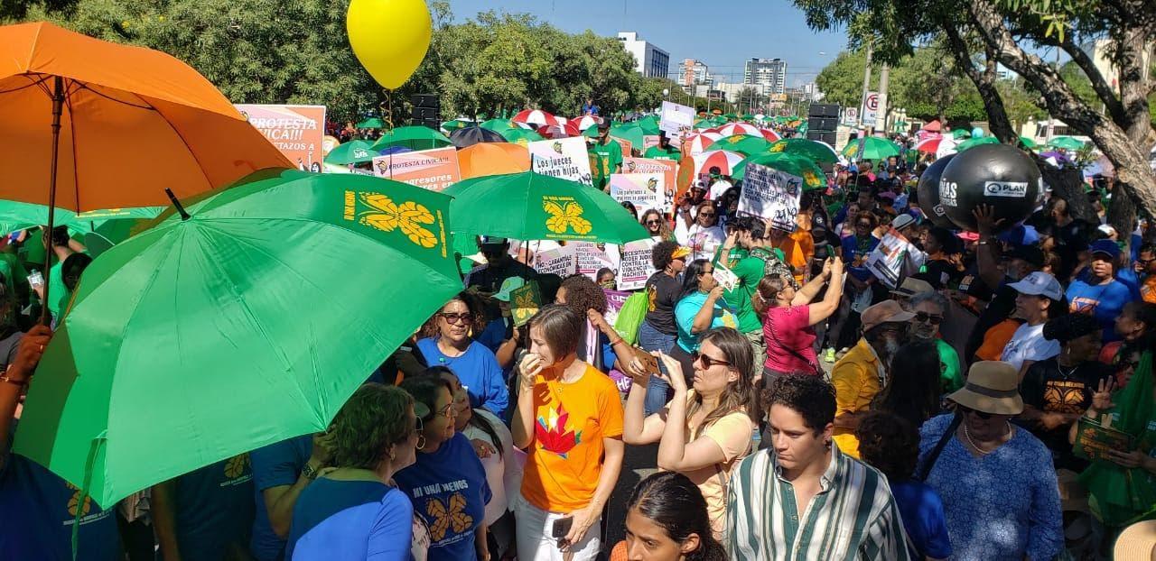 Organizaciones exigen a Abinader cumplir promesa de Gobierno paritario