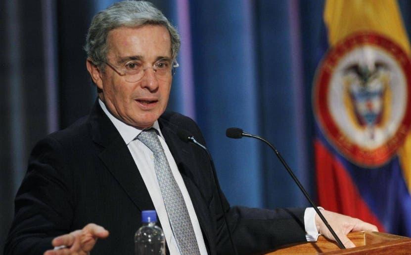 Cárcel domiciliaria para el expresidente Álvaro Uribe