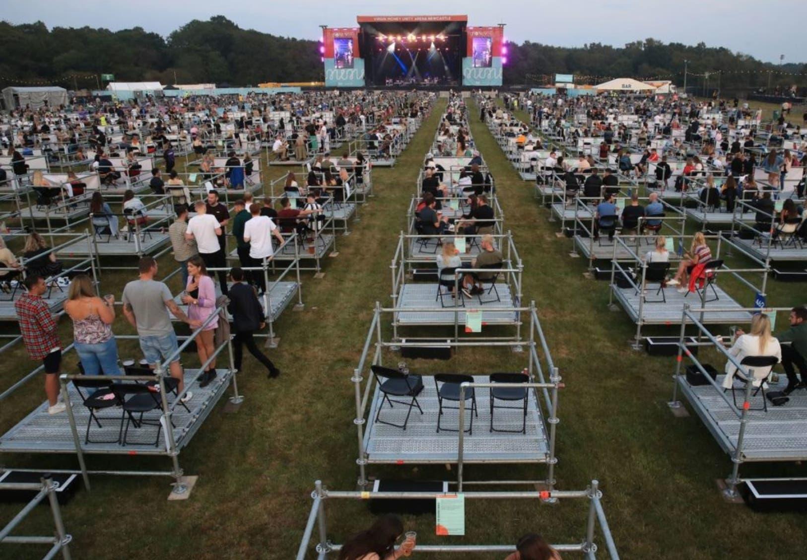 La nueva modalidad de organizar conciertos inició en Inglaterra