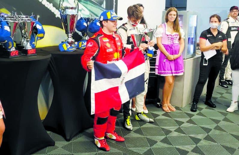 Dominicano Llibre gana carrera de autos en Austria