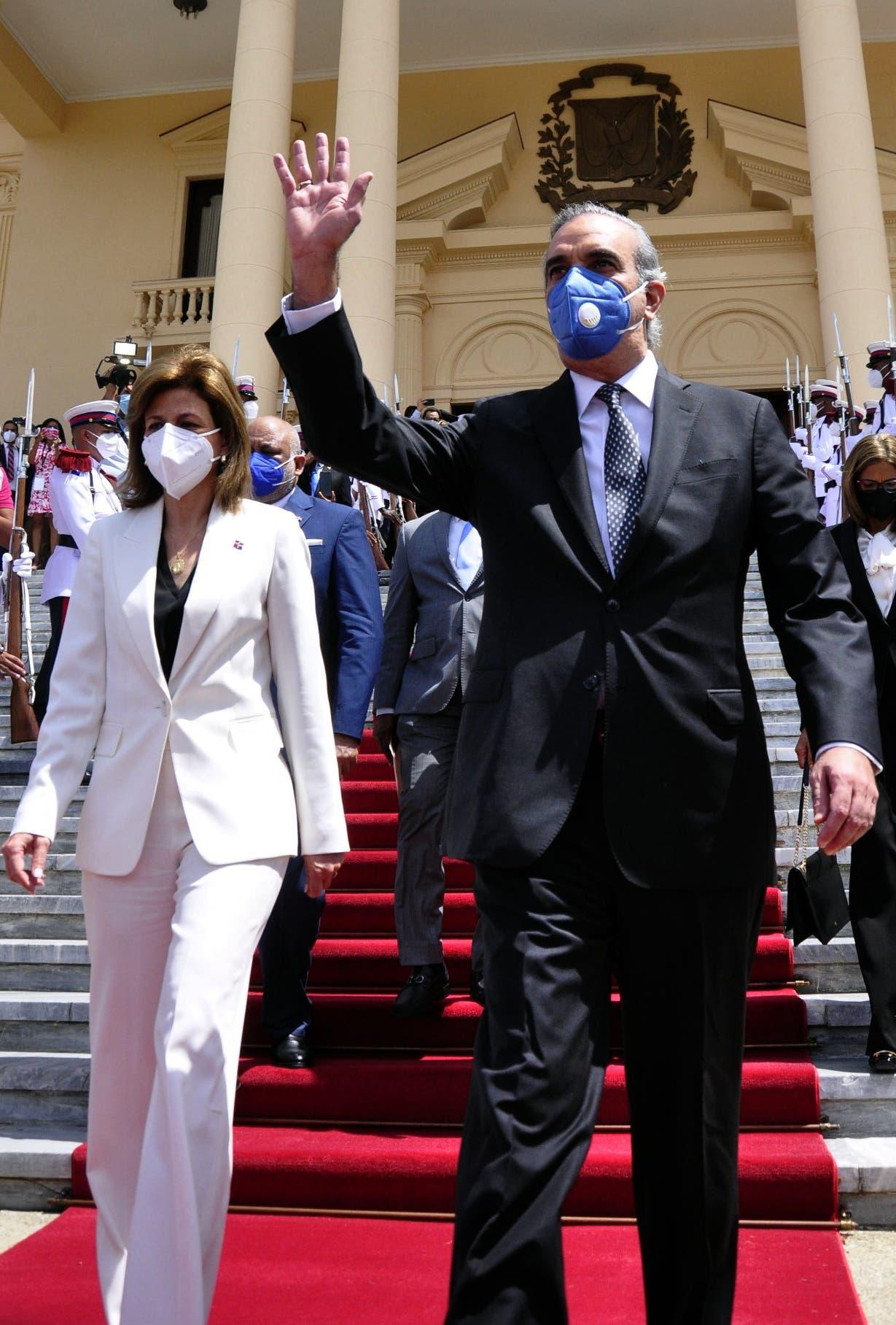 Luis Abinader será investido como Presidente de la Rep. Dominicana en ceremonia reducida por Covid-19