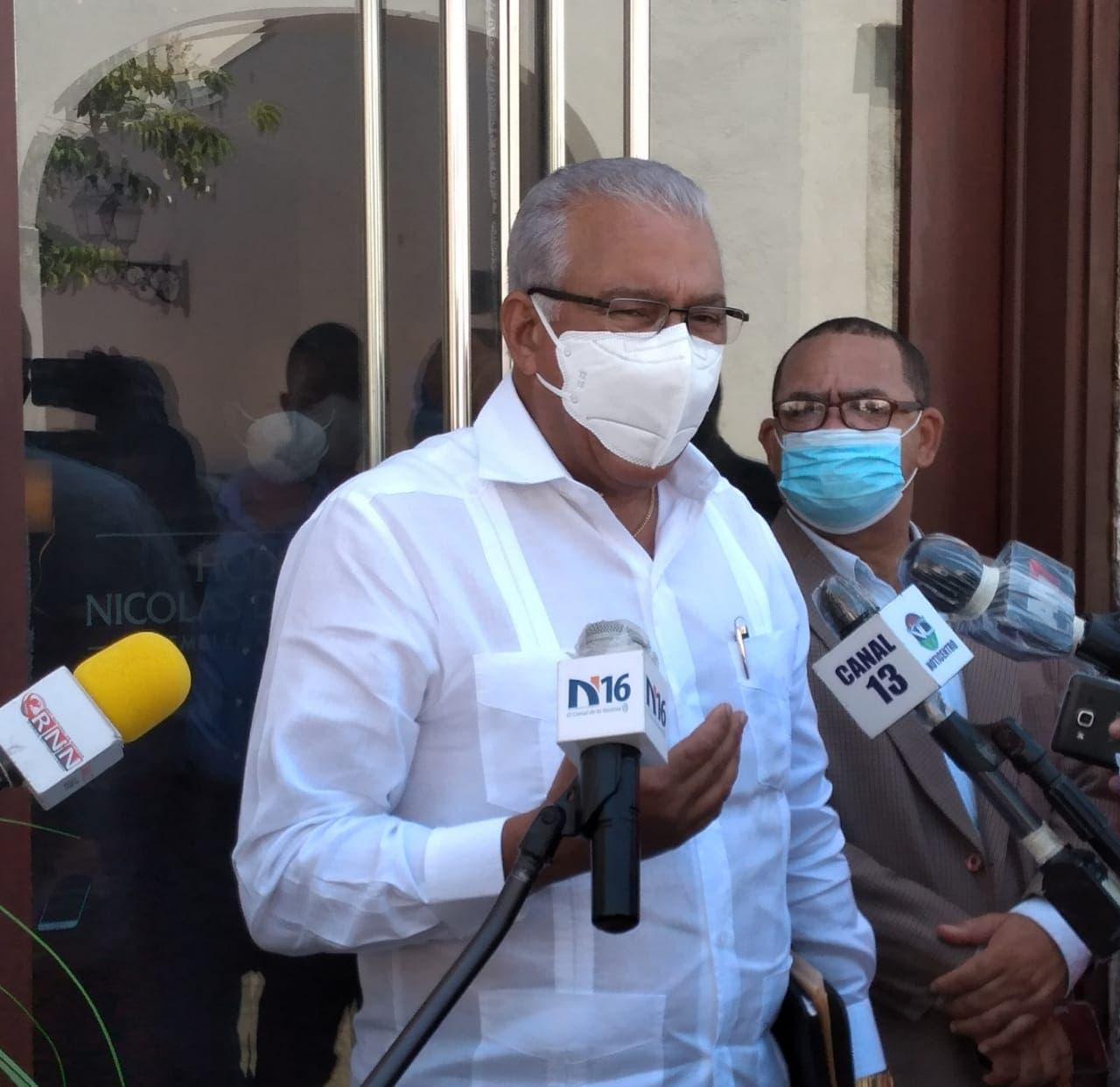 """Dirigentes PRM califican como """"cuento triste"""" argumento de Danilo para no participar en discurso de Abinader"""