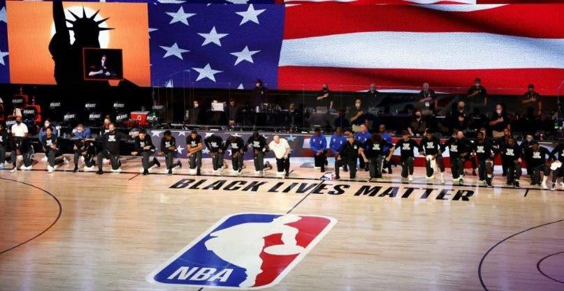 La NBA reanuda sus partidos tras dos días de protesta por violencia racial