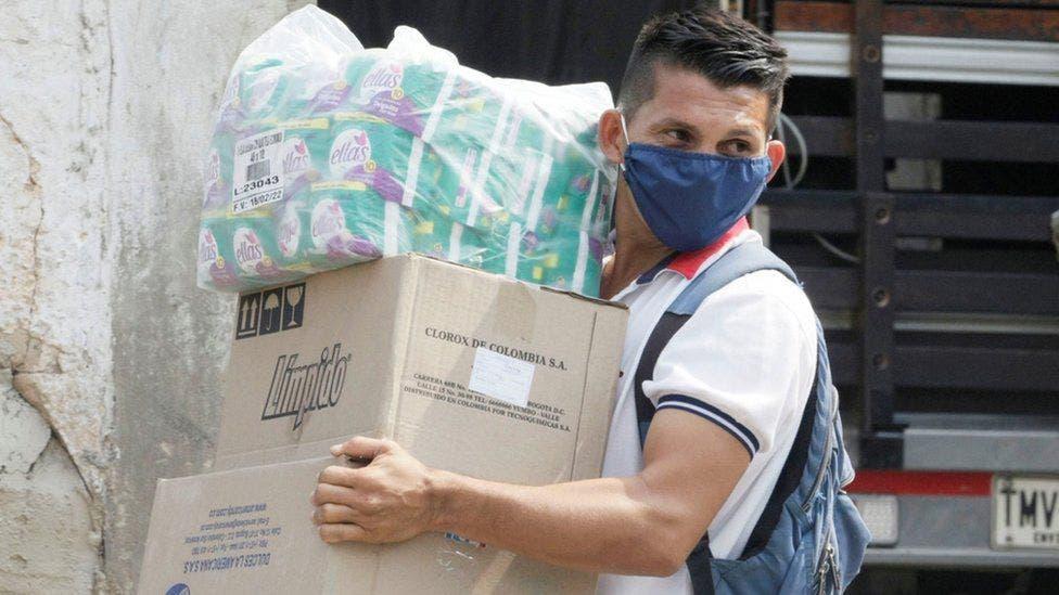 Venezolanos le temen más al aislamiento que al coronavirus