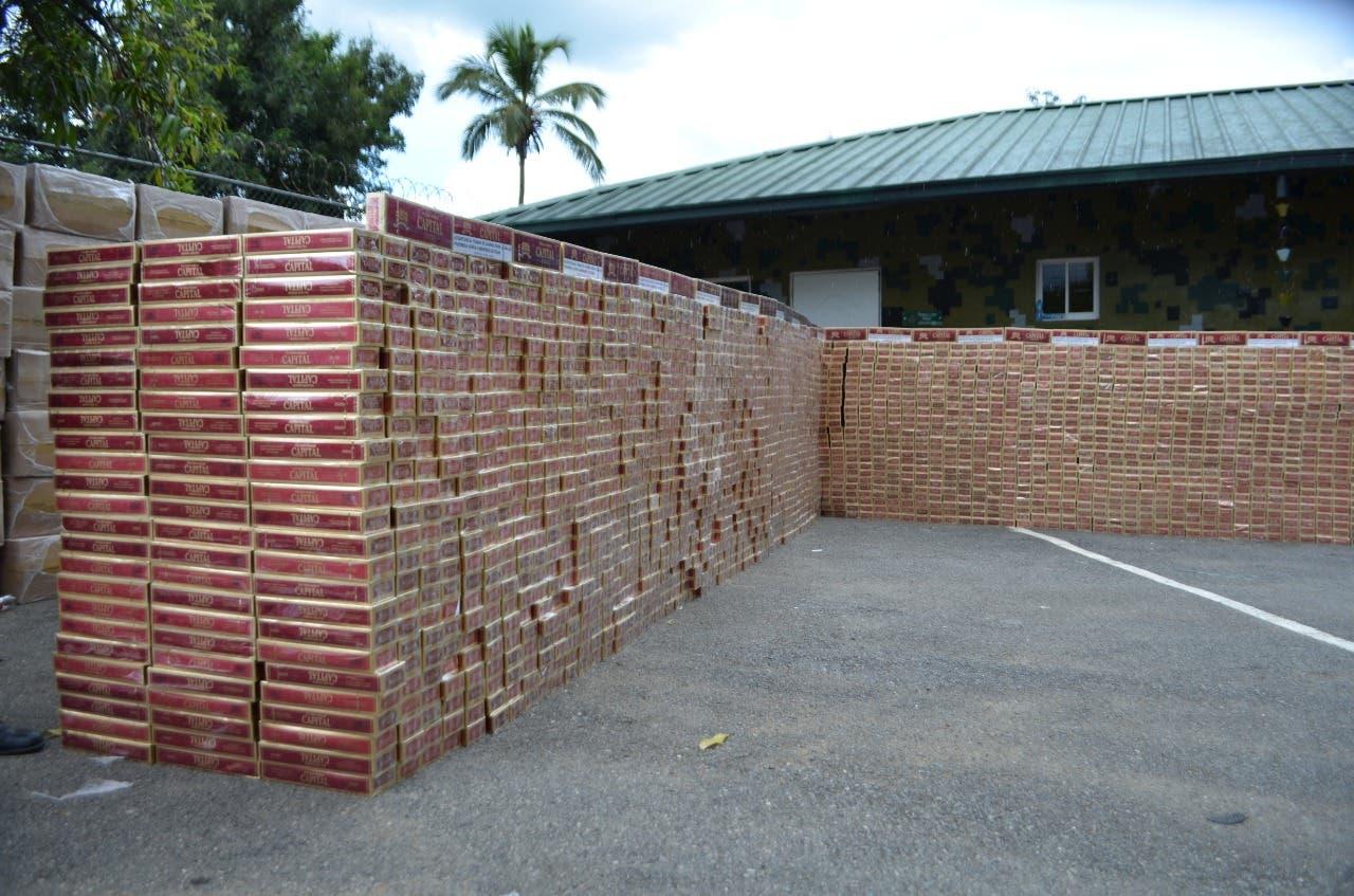 Incautan contrabando de cinco millones de cigarrillos en Jimaní