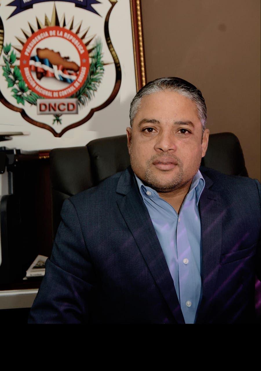 Designan nuevamente al periodista Carlos Devers como vocero de la DNCD