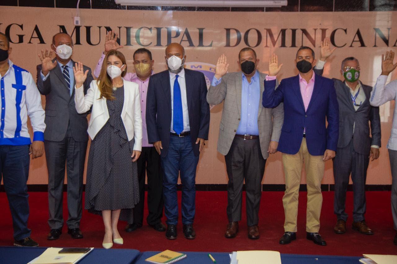 Carlos Guzmán es electo como presidente de la Mancomunidad del gran Santo Domingo