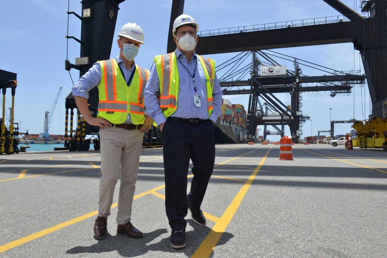 Director de Aduanas visita el Puerto Multimodal Caucedo