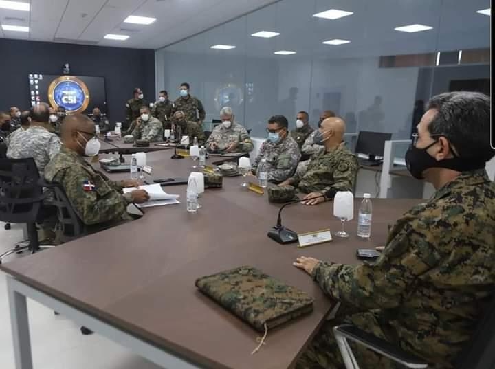 Ministro de Defensa anuncia aumento de tropas para reforzar operativo toque de queda