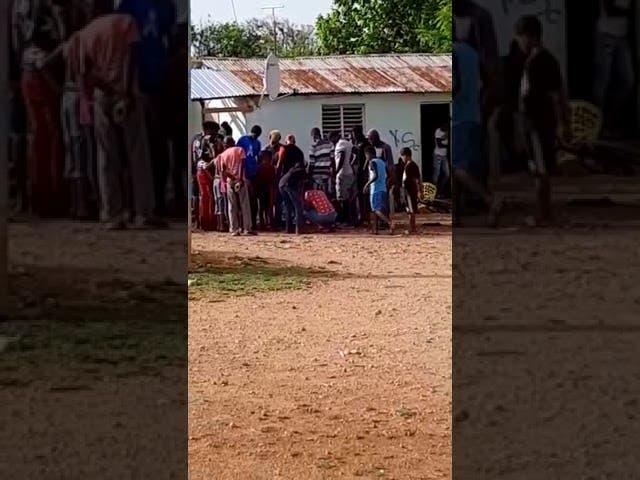 Fiestas y juegos de gallos siguen en Pedernales pese a alza casos Covid-19