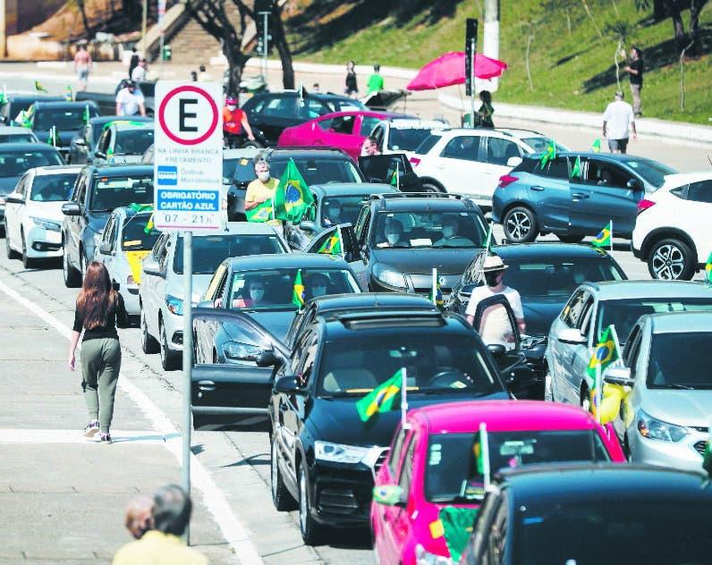 Caravana contra corrupción en calles de Brasil