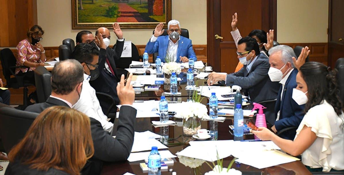Comisión del Senado emite requisitos JCE