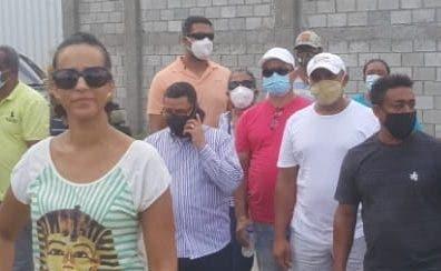 Planta de gas causa protesta de vecinos