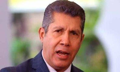 Minoría  venezolana irá a los comicios