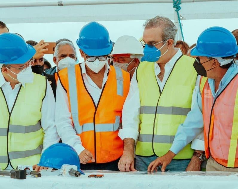 Empresarios y el BID apoyan obra Manzanillo