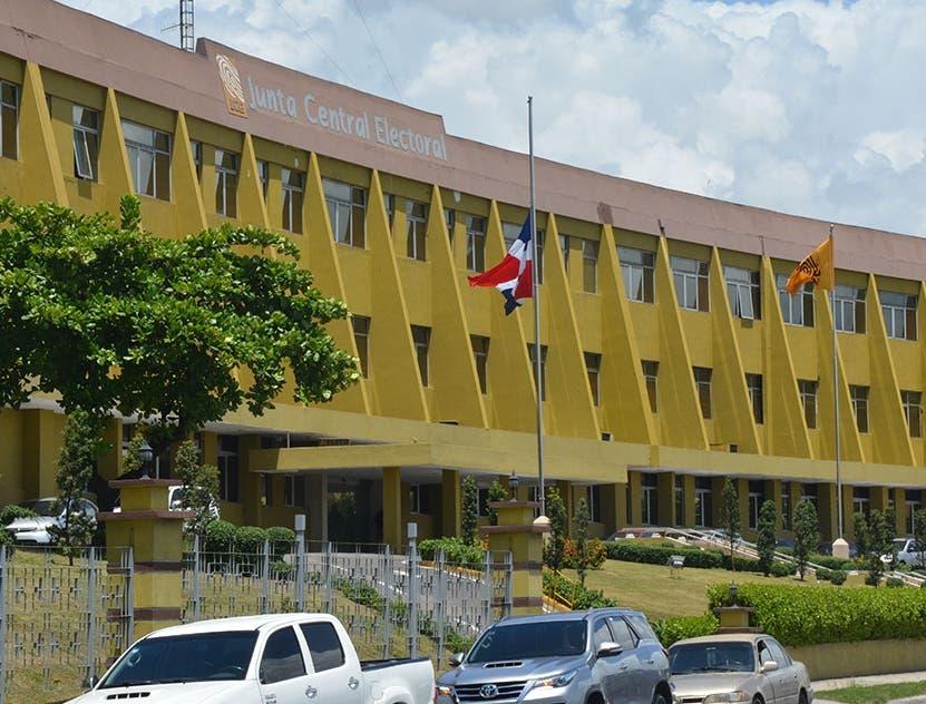 JCE designa directores interinos del Registro Civil y del Voto en el Exterior