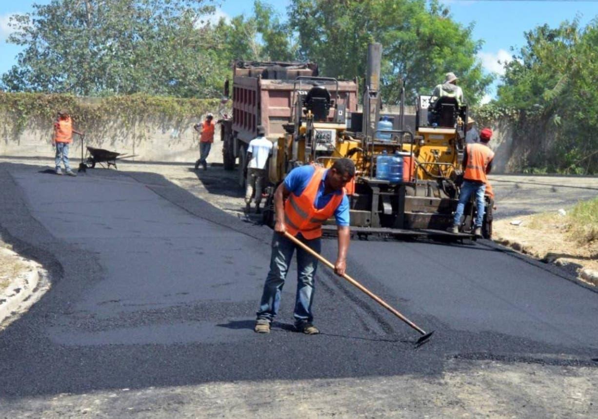 Abinader anuncia plan nacional de asfaltado