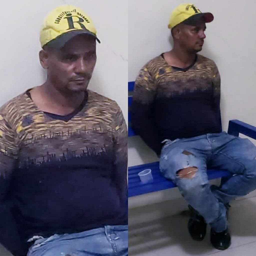 Hombre se embarra de estiércol para evitar ser apresado por vender gasolina durante toque de queda