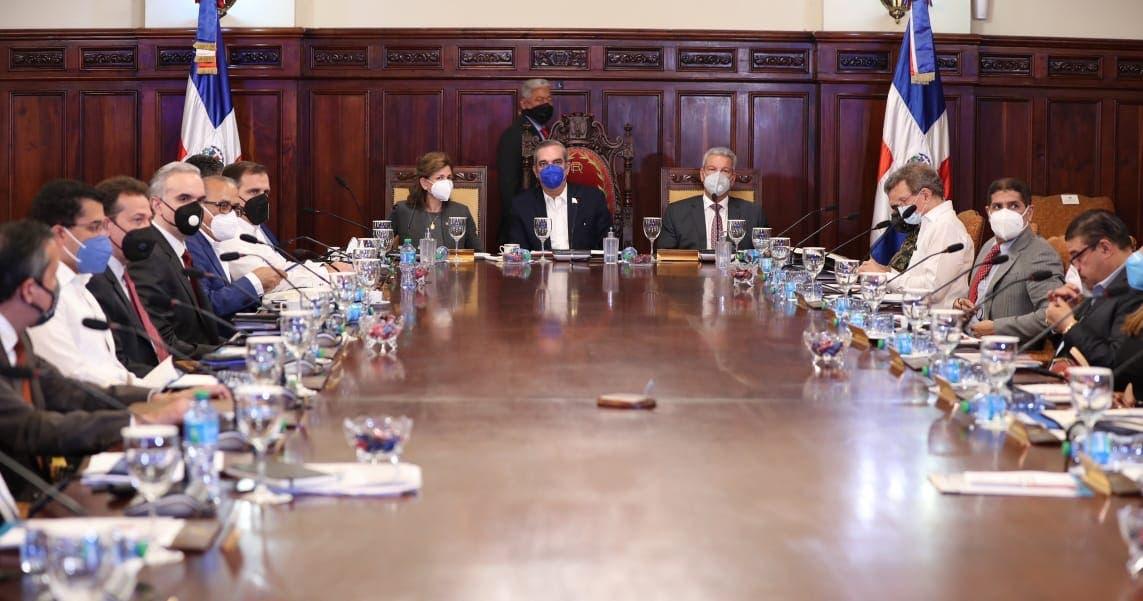 Presidente Luis Abinader encabeza Consejo de Ministros