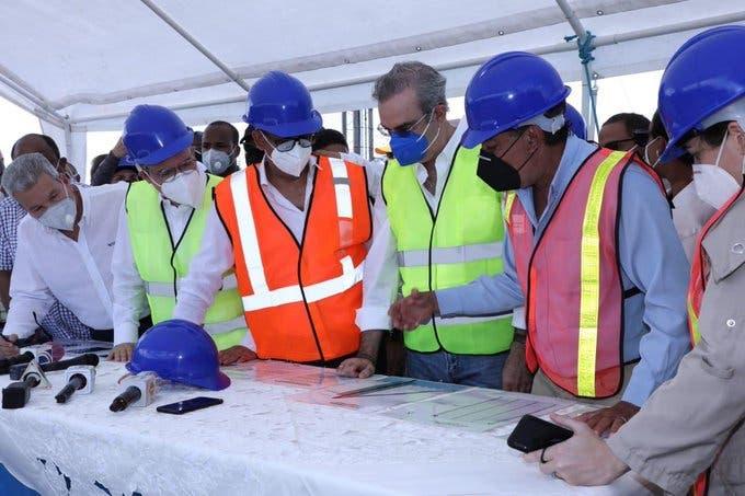 Abinader anuncia ambicioso proyecto de transformación del puerto de Manzanillo en Montecristi