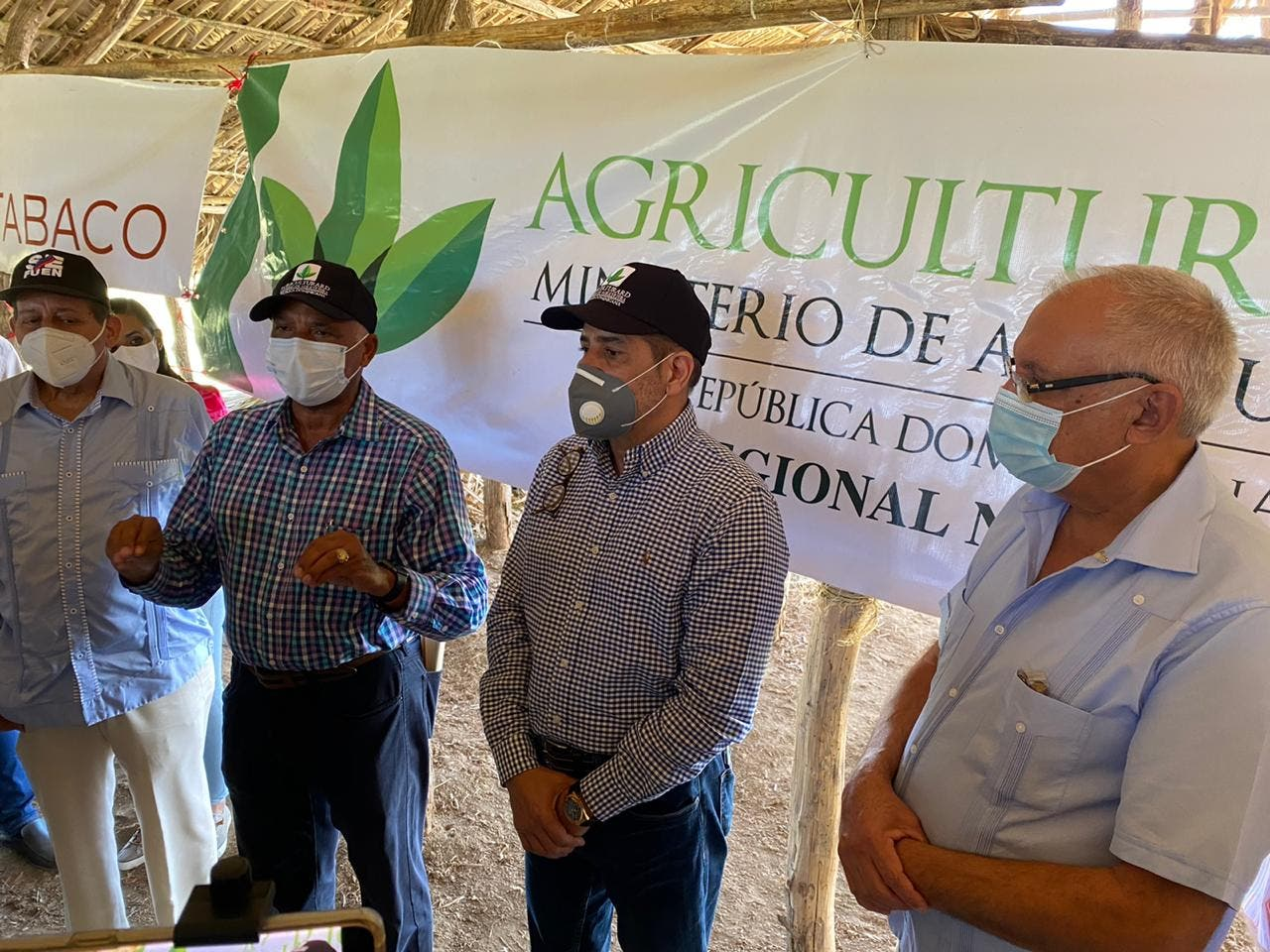 Ministro de Agricultura impulsará producción de tabaco en el país