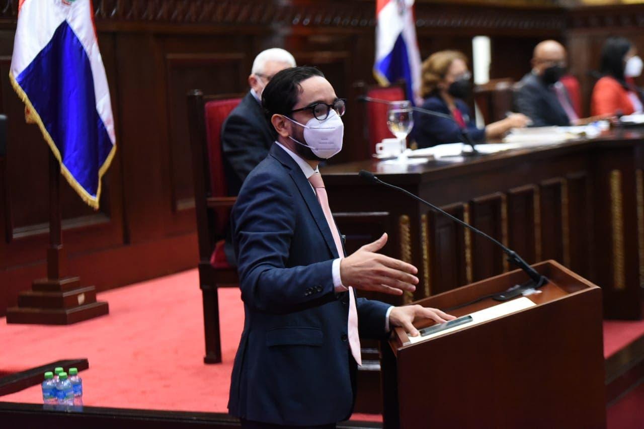 Diputado José Horacio introduce proyecto para prohibir el matrimonio infantil