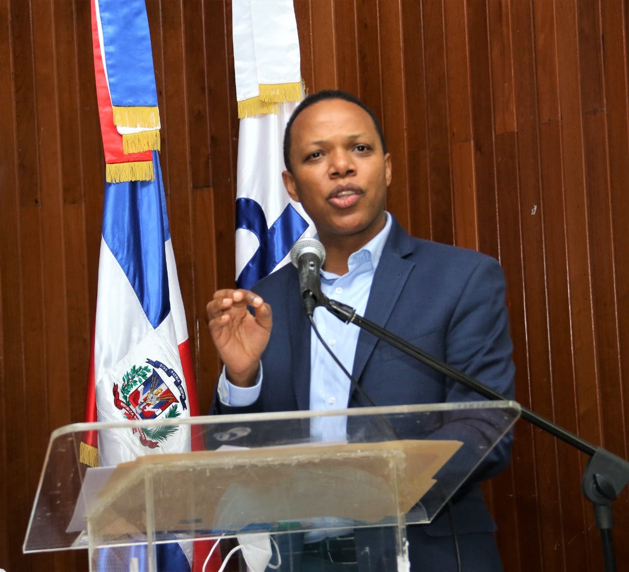 Edesur anuncia ejecución de más proyectos en San Cristóbal para eficientizar el servicio