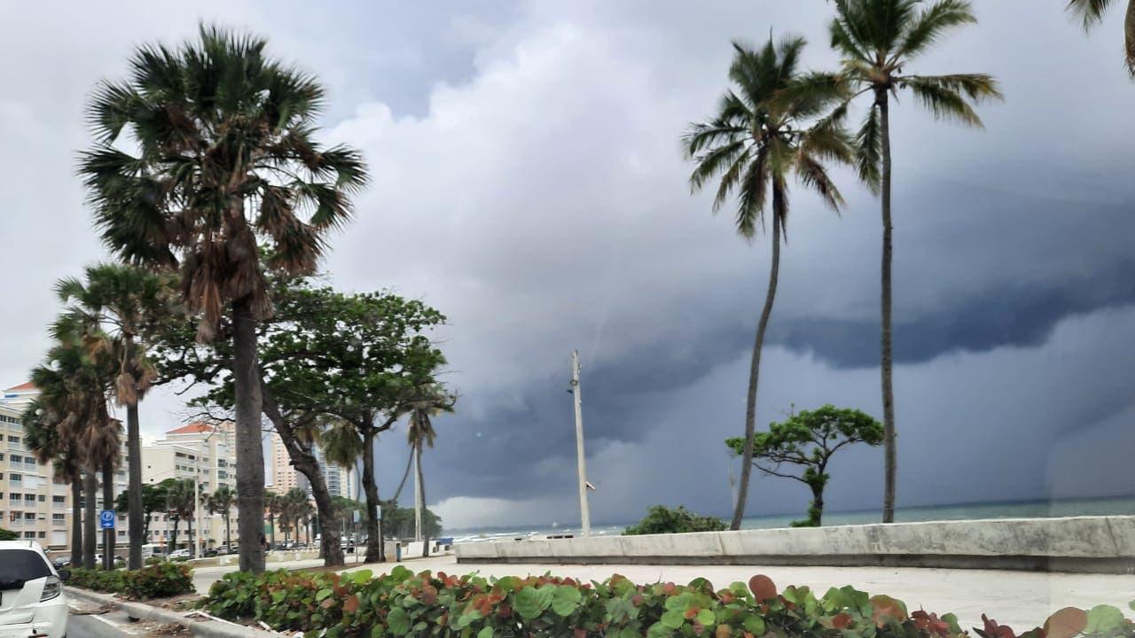 Meteorología prevé pocas lluvias para hoy; se forma la depresión tropical 10