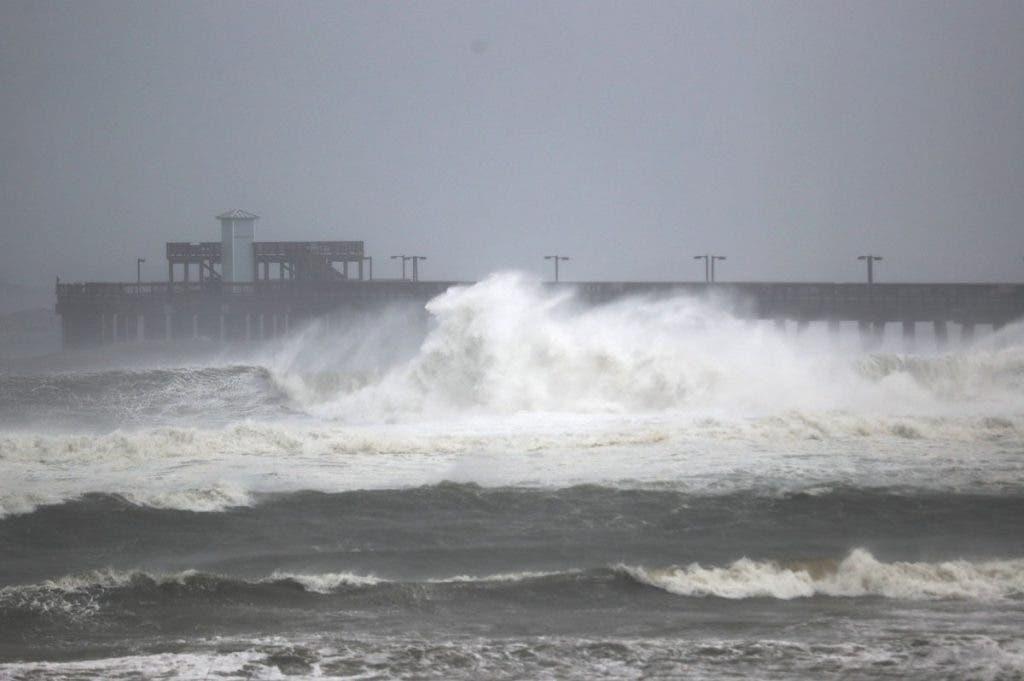 Sally toca tierra en Alabama con vientos de 165 kilómetros/hora