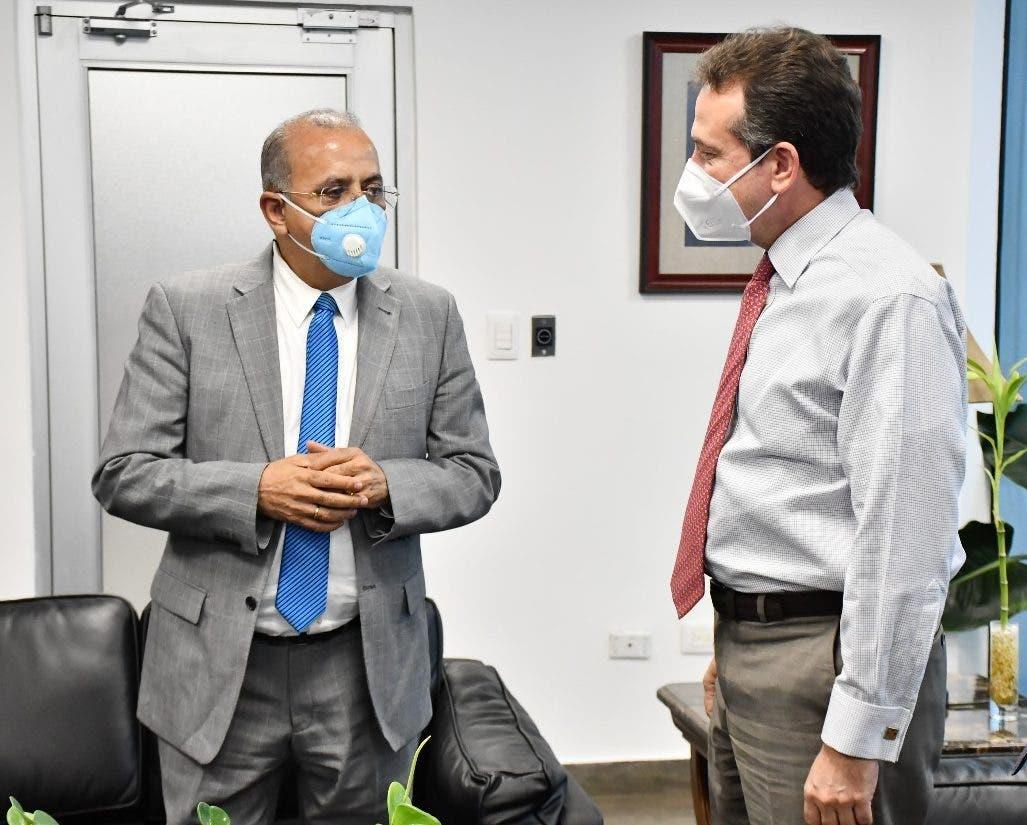 Salud Pública e Industria y Comercio acuerdan enfrentar comercio ilícito