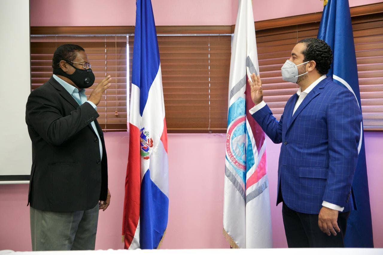Servicio Regional de Salud juramenta y ratifica directores hospitales de Santo Domingo Norte