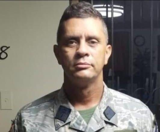 Hallan muerto en interior de vehículo coronel reportado desaparecido