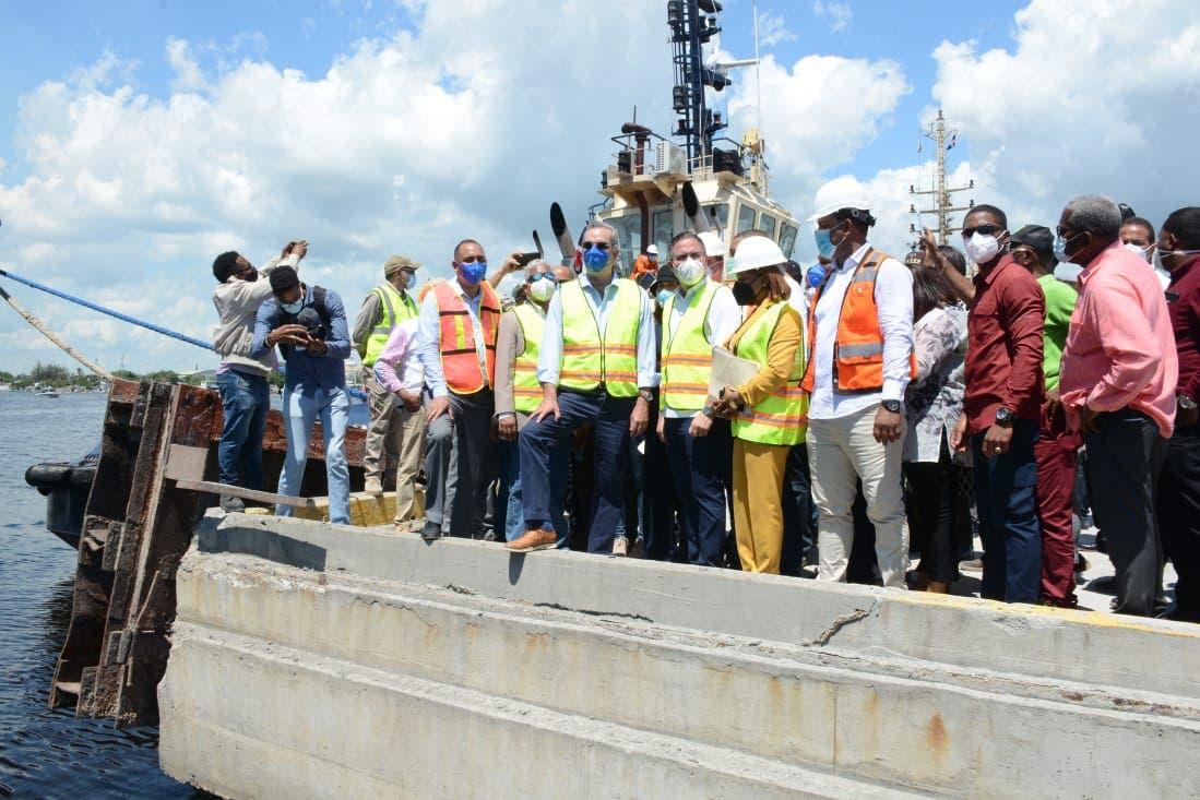 Presidente Luis Abinader pondera remodelación y ampliación de puerto San Pedro de Macorís