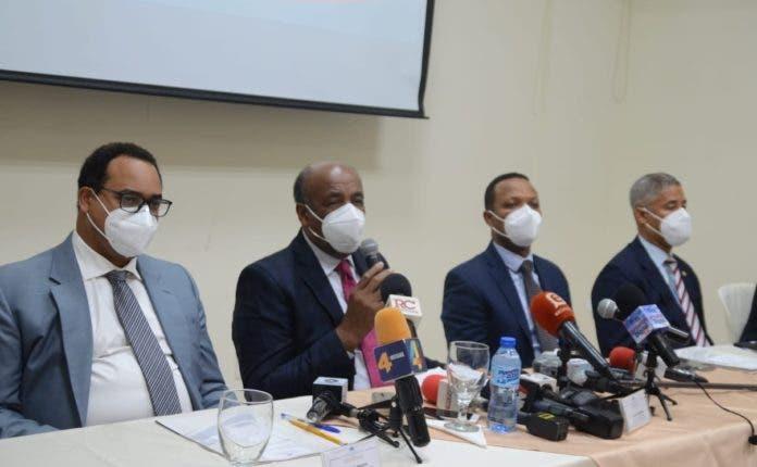 Apagones son por averías y mantenimiento, dice ministro de Energía y Minas