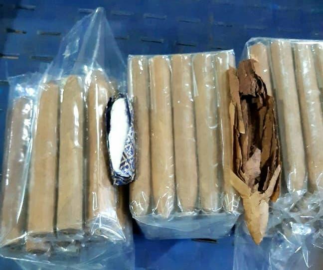 Autoridades ocupan 5 kilos de cocaína camuflados en tabaco en Aeropuerto del Cibao