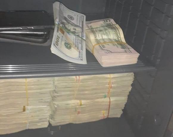 Policía apresa a 4 implicados en red de trata de personas; ocupa armas, dinero y vehículos