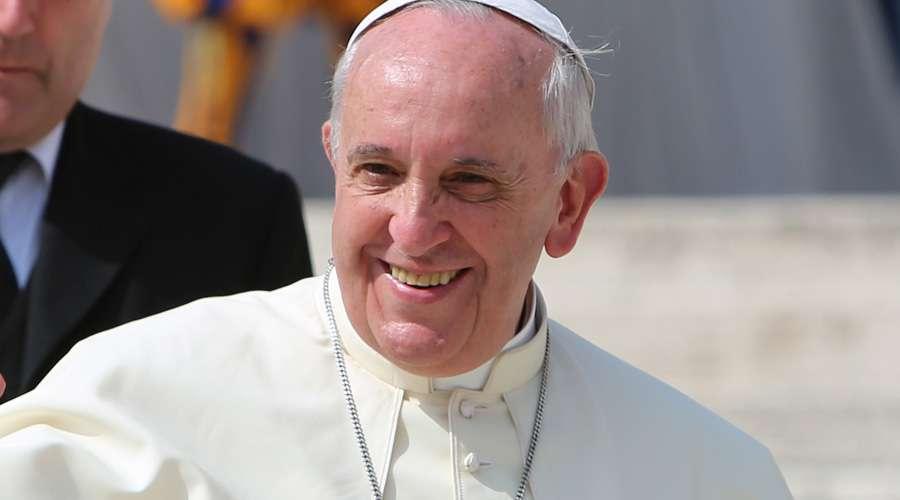Vaticano permite celebrar hasta cuatro misas en Navidad, Año nuevo y Epifanía