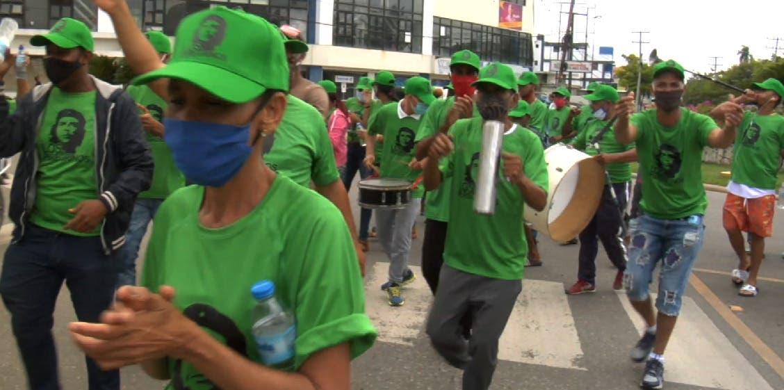 Peregrinos de  Moca piden consenso para obtener mejores pensiones