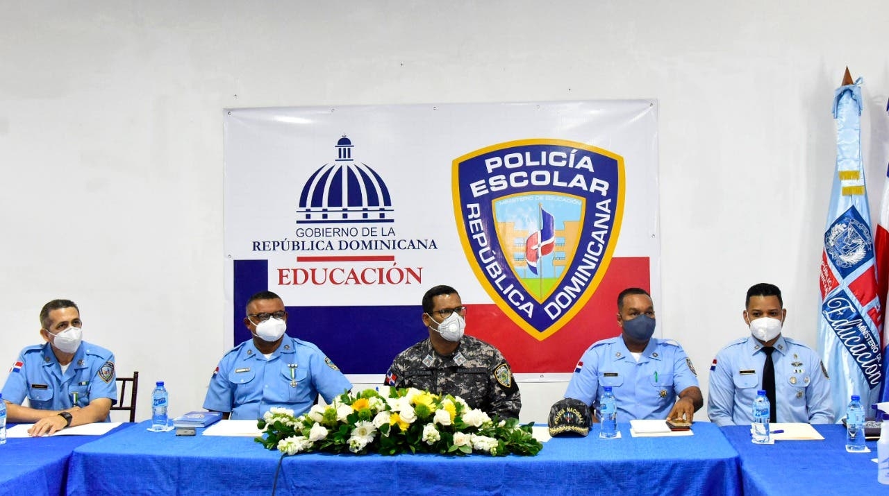 Policía Escolar redobla servicios para proteger equipos tecnológicos en centros educativos