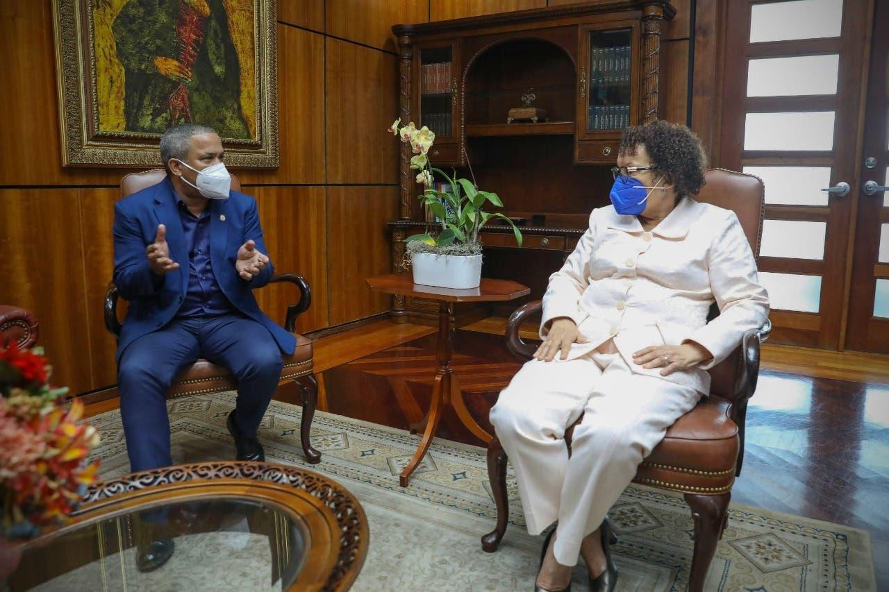 Héctor Acosta visita a Miriam Germán y solicita construcción de Centro Penitenciario