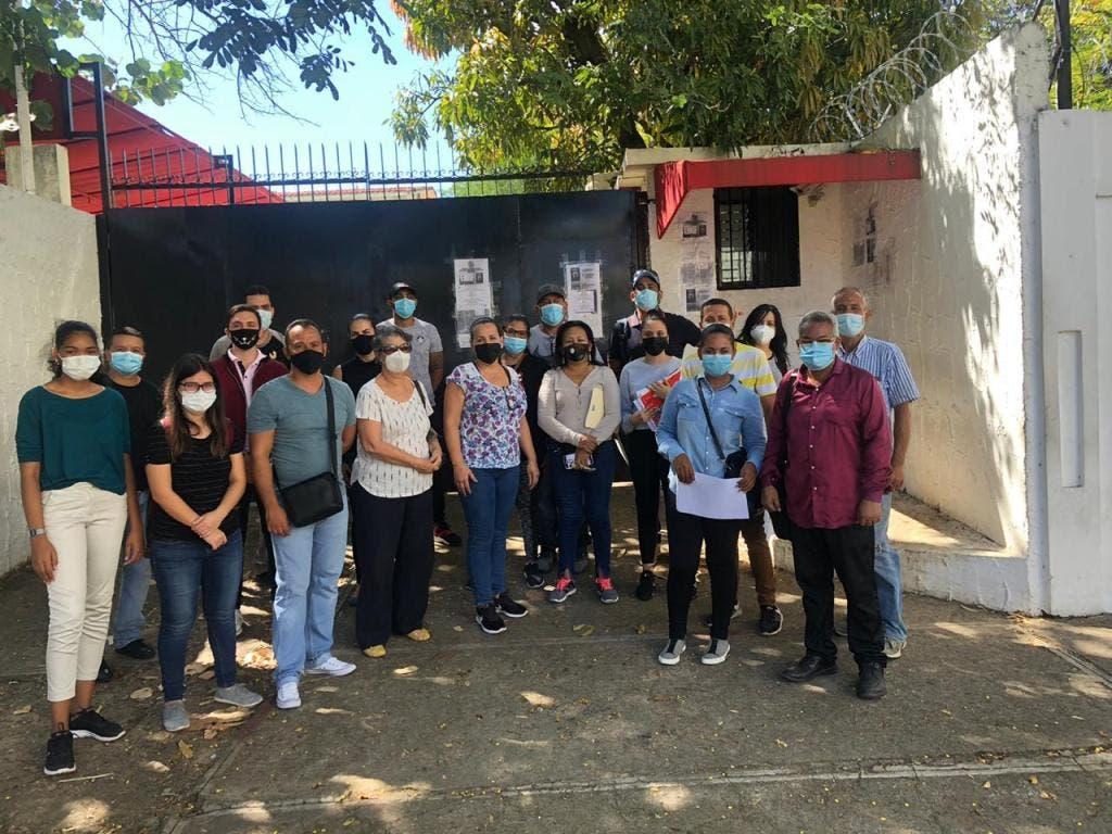 Venezolanos varados en R.Dominicana se hacen prueba de COVID previo a viaje