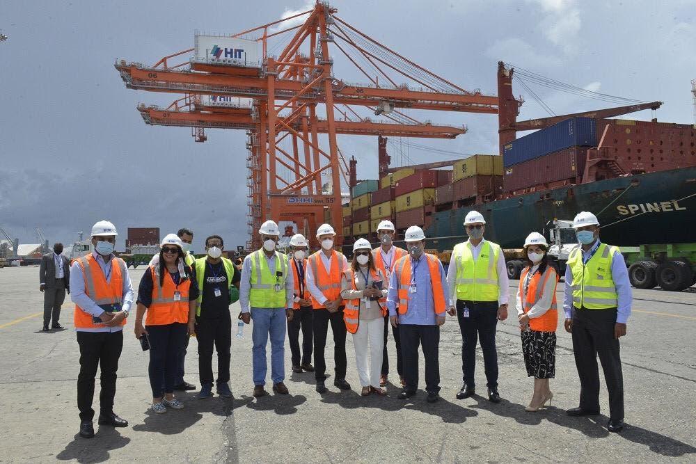 Director DGA reafirma su compromiso con puertos del país