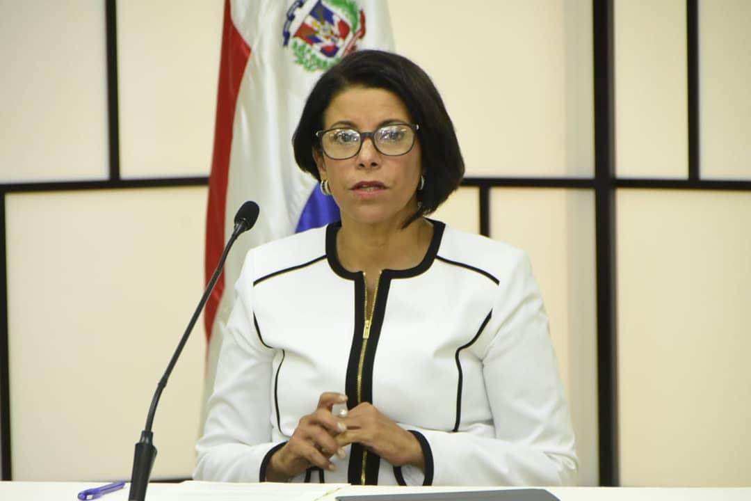 Postulante a juez JCE propone mejora de servicios en el exterior