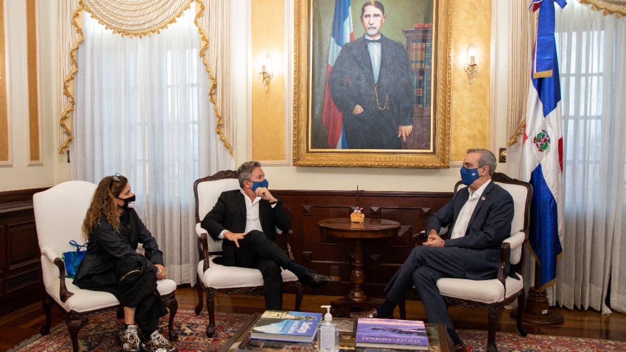 Ricardo Montaner solicita al Presidente apoyo para construcción de escuela