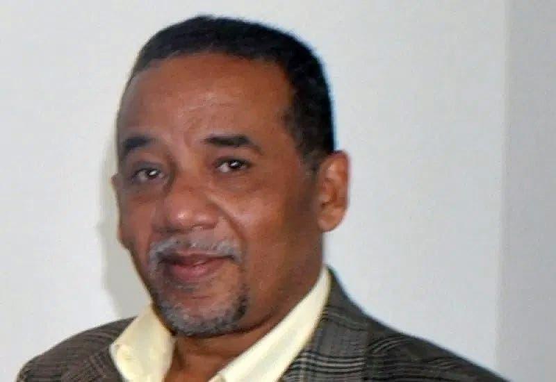 Periodista denuncia que fue cancelado del IDAC pese a que estaba bajo licencia médica
