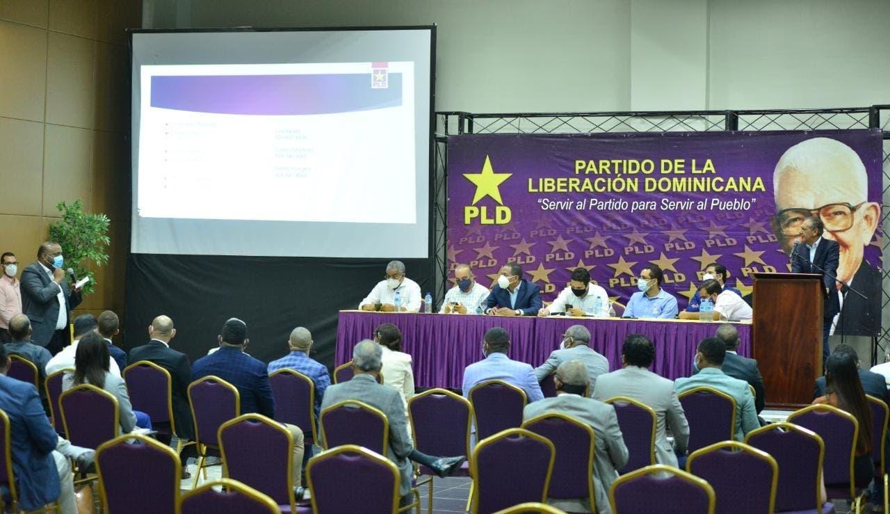 Legisladores del PLD se reúnen con una comisión del Comité Político del partido
