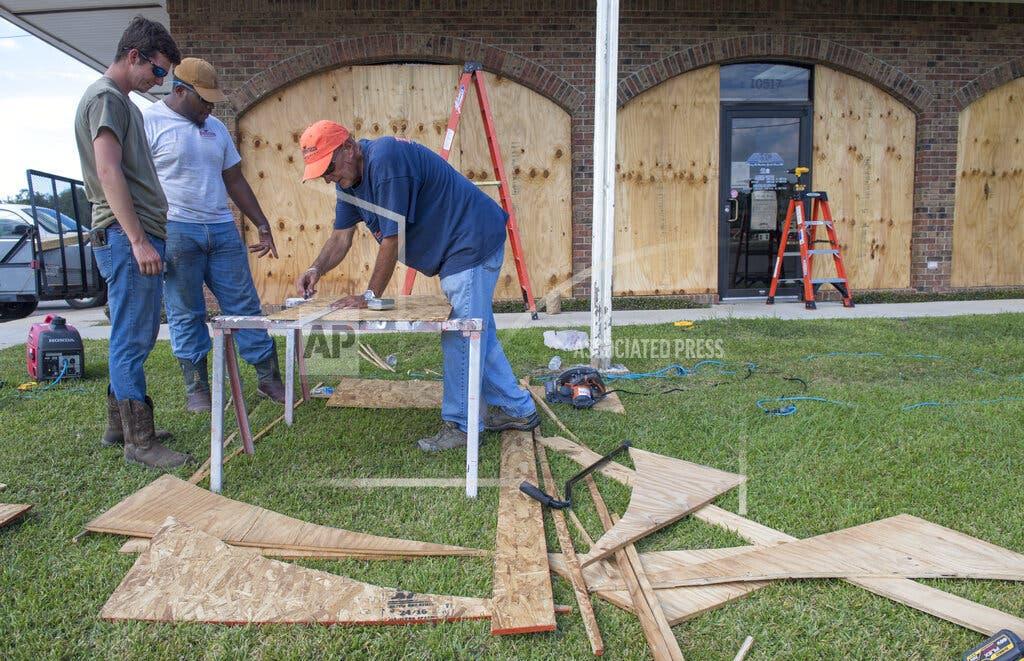 Luisiana se prepara para llegada de huracán Delta