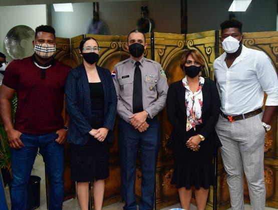 Peloteros se unen a la PN para fortalecer las relaciones cívico-policial