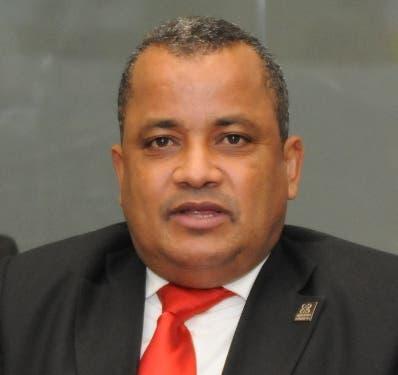 Contreras abogará por mejora de fiscales