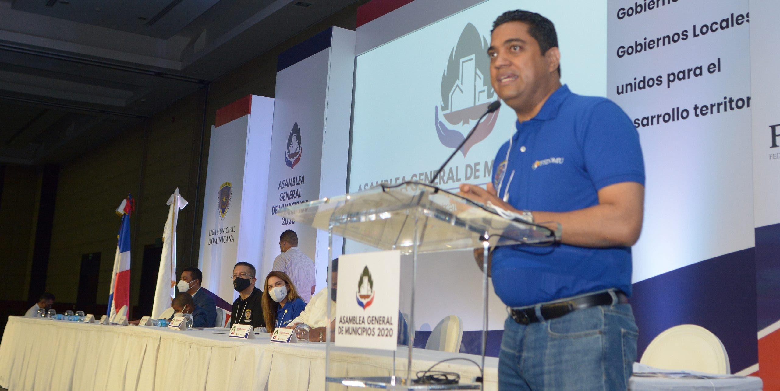 Federación Dominicana de Municipios escogen alcalde Kelvin Cruz como presidente
